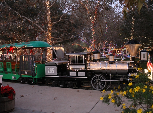 i think we went at the perfect time we were there at 5pm and got to experience the best of both day and nighttime not to mention the lines were not - Irvine Christmas Train