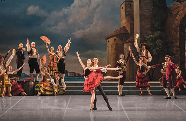 Segerstrom Center - Mariinsky Ballet's Raymonda - Photo by Valentin Baranovsky