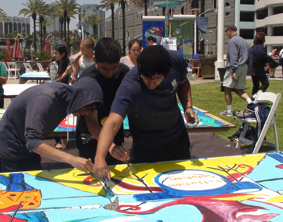 Aquarium of the pacific 39 s annual urban ocean festival for Art miles mural project