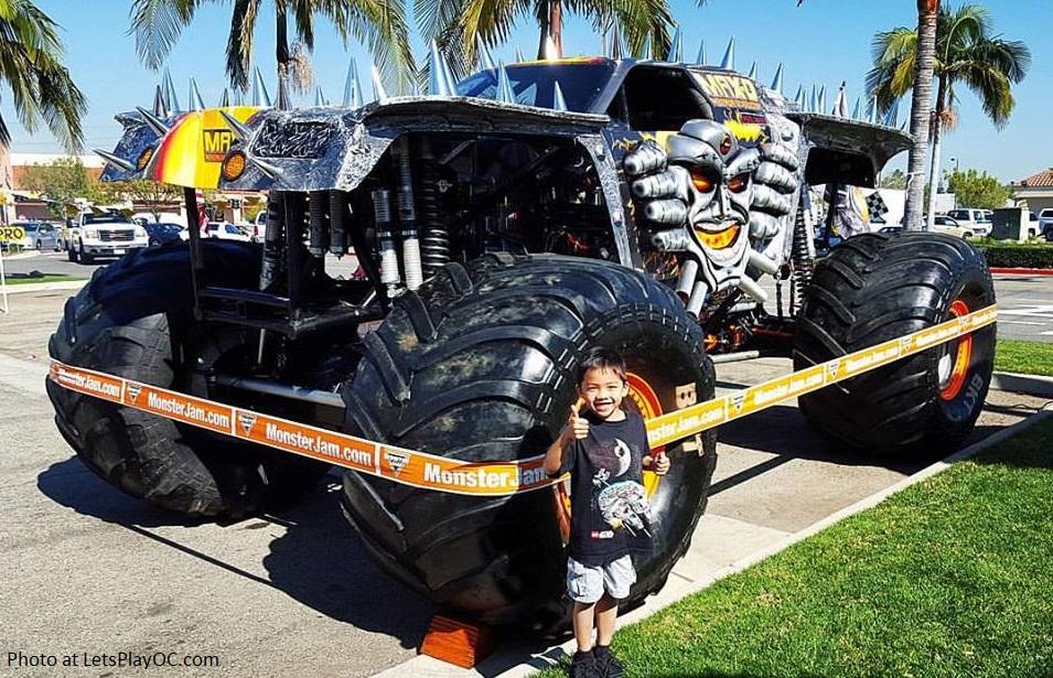 Monster Jam Truck Max D