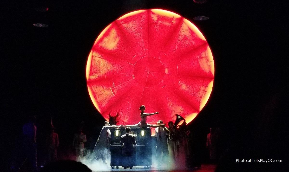 Cirque du Soleil LUZIA
